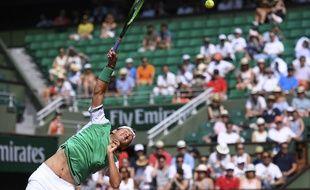 Lucas Pouille opposé à Julien Benneteau au 1er tour de Roland-Garros, le 28 mai 2017.