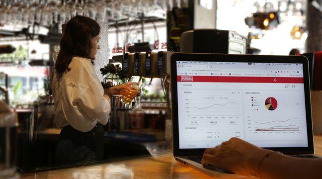 Une serveuse américaine touche 9 dollars pour 70 heures de travail