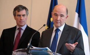 Le ministre de l'Economie Pierre Moscovici a-t-il tout fait pour savoir si Jérôme Cahuzac avait eu un compte caché à l'étranger? Plusieurs questions restent en suspens.