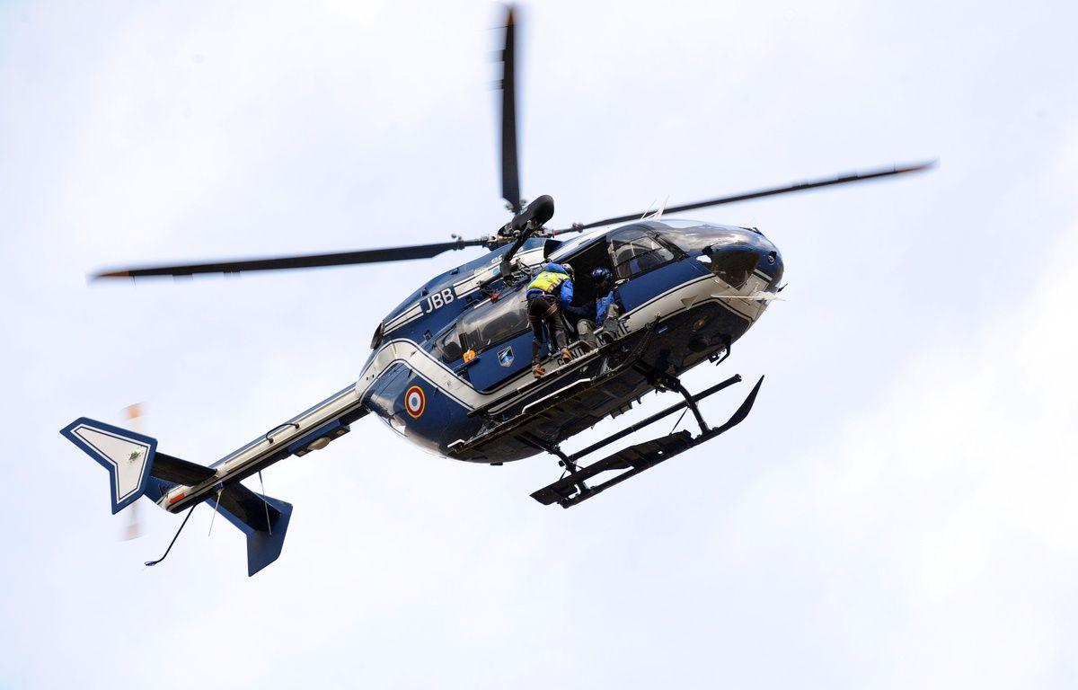 Hélicoptère du PGHM, peloton de gendarmerie de haute montagne. AFP PHOTO / REMY GABALDA – AFP