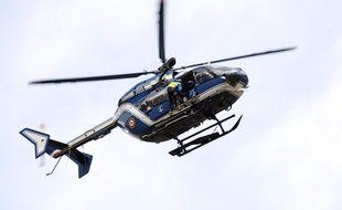 Hélicoptère du PGHM, peloton de gendarmerie de haute montagne. AFP PHOTO / REMY GABALDA