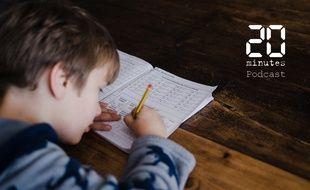 Illustration d'un enfant remplissant un cahier de devoirs