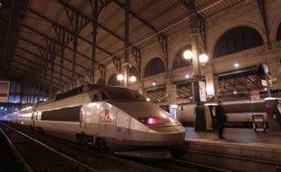 Le résultat de la SNCF devrait être dans le rouge en 2013, du fait de la dépréciation des TGV, et 2014 connaîtra d'importants travaux, a annoncé le président de la SNCF Guillaume Pepy lundi soir lors de ses vœux à la presse.
