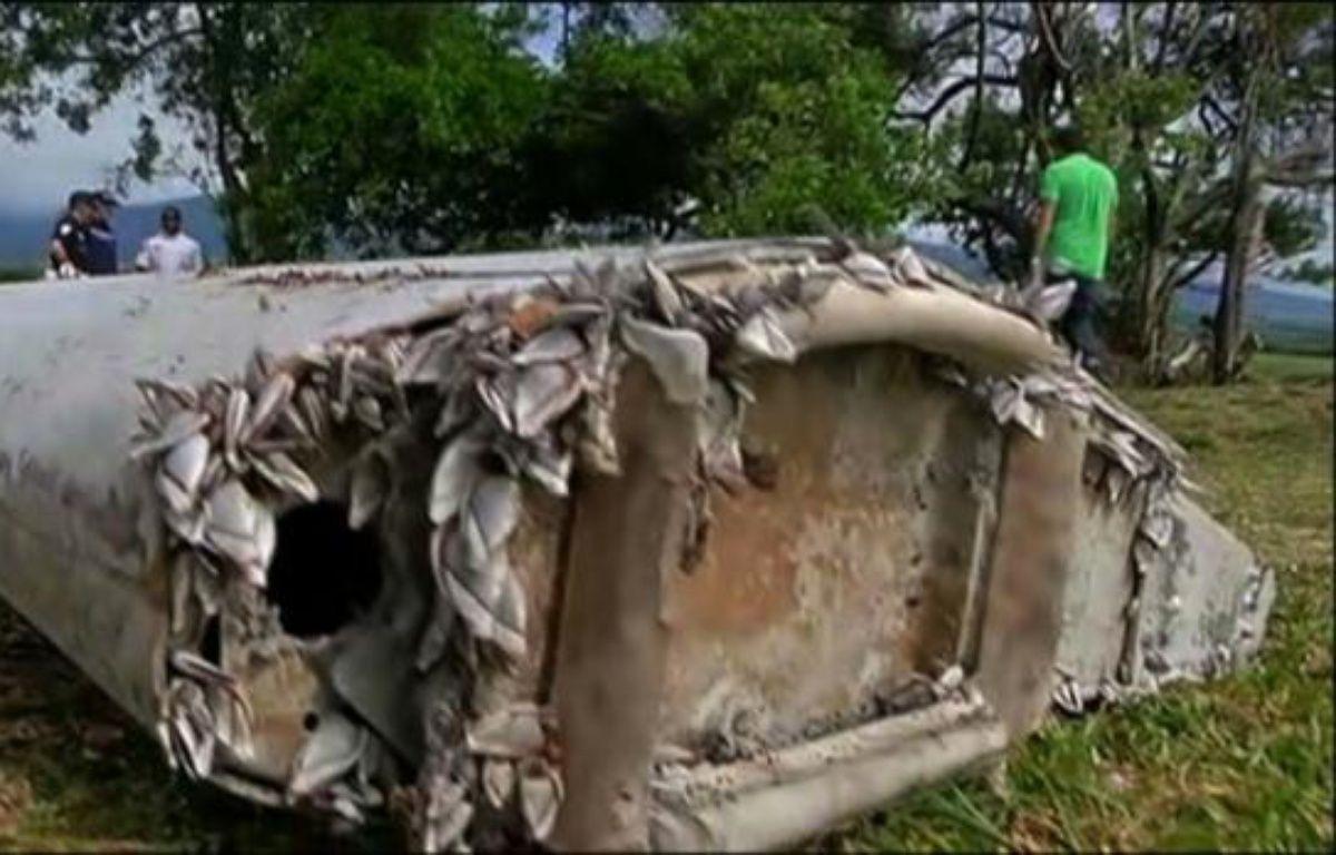 Débris d'avion retrouvé à La Réunion: un morceau du MH370? – -, Farid Addala reunion 1ère