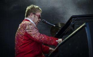 Elton John en concert à Gloucester le 7 juin 2015