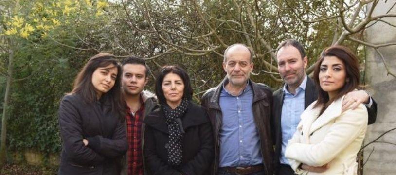 Stephan Pélissier (à gauche) avec son épouse et sa belle-famille syrienne.