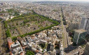 Paris le 12 avril 2011. Vue generale panoramique sur Paris et la region parisienne depuis la Tour Montparnasse. Immobilier. Monuments parisiens. beau temps.