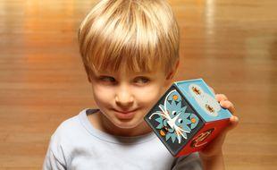 La conteuse merveilleuse s'adresse aux enfants entre 2 et 7 ans