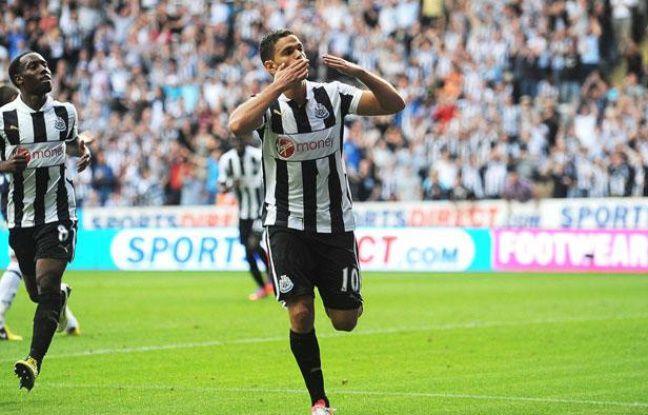 Hatem Ben Arfa célèbre son but face à Tottenham, le 18 août 2012 à Saint-James Park.