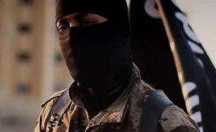 Le FBI cherche à identifier ce djihadiste, narrateur de la vidéo «Flames of War».