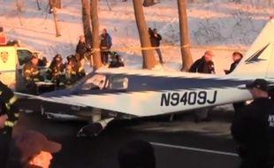Cet avion a dû se poser le 4 janvier 2014 sur une autoroute du Bronx.
