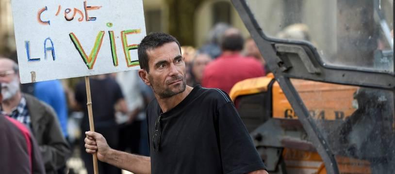 Un défenseur de la ZAD de Notre-Dame-des-Landes lors d'une manifestation en octobre 2018.
