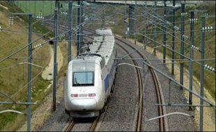 Deux mois avant le lancement commercial du TGV-Est qui placera Strasbourg à 2H20 de Paris, une guerre des prix a débuté entre Air France et la SNCF dans le contexte d'une inéluctable redistribution des parts de marché.