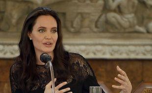 Angelina Jolie lors d'une conférence de presse au Cambodge le 18 février 2017.