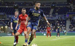 Ici le 18 septembre en Ligue 1 contre Nîmes (0-0),; Memphis Depay ne sait pas s'il a disputé son dernier match sous le maillot lyonnais, dimanche face à l'OM (1-1).