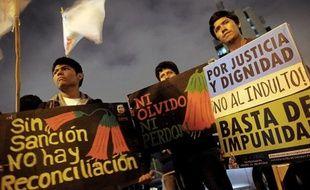 Le recours en grâce pour raisons de santé de l'ex-président Alberto Fujimori, incarcéré pour crimes contre l'humanité, est devenu un thème d'affrontement politique au Pérou, jusqu'à mettre dans l'embarras le gouvernement d'Ollanta Humala.