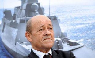 Les exportations françaises d'armements ont bondi en 2013 d'environ 30% par rapport à 2012, avec 6,3 milliards d'euros de prises de commandes, grâce notamment à d'importants contrats conclus au Moyen-Orient, a indiqué mercredi le ministère de la Défense.