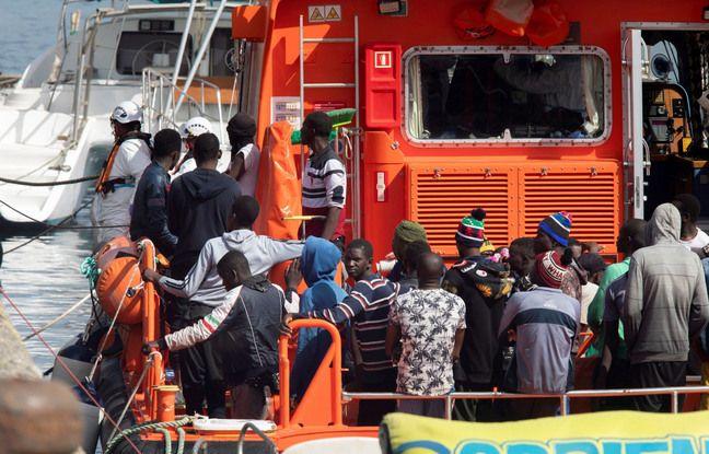 648x415 migrants pris charge arrivee canaries septembre 2020