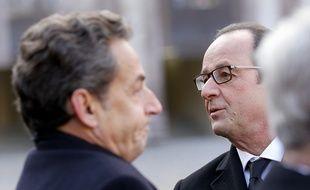 Nicolas Sarkozy et François Hollande à l'Hôtel des Invalides le 3 février 2015.