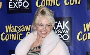 L'actrice et activiste Pamela Anderson - portant une fausse fourrure