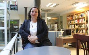Emmanuelle Cosse, secrétaire nationale d'Europe Ecologie Les Verts et candidate pour les élections régionales en Île-de-France, le 8 juin 2015 dans les bureaux d'EELV à Paris.