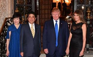 Les couples Abe et Trump, le 12 février 2017 à Palm Beach (Floride).