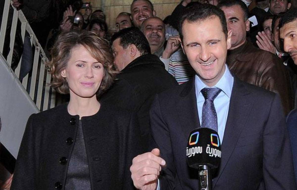 Bachar al-Assad et sa femme Asma arrivent dans un bureau de vote de Damas le 27 février 2012 lors d'un référendum sur la Constitution. – AY-COLLECTION/SIPA