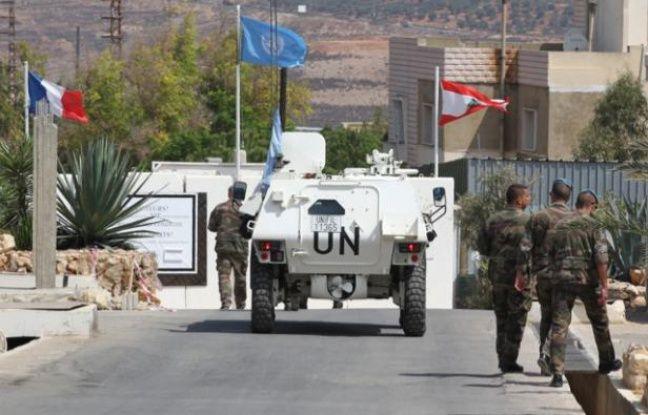 Le ministre de la Défense Jean-Yves Le Drian a rendu visite aux 850 soldats français de la Force intérimaire des Nations Unies au Liban (FINUL), le 14 septembre 2012.