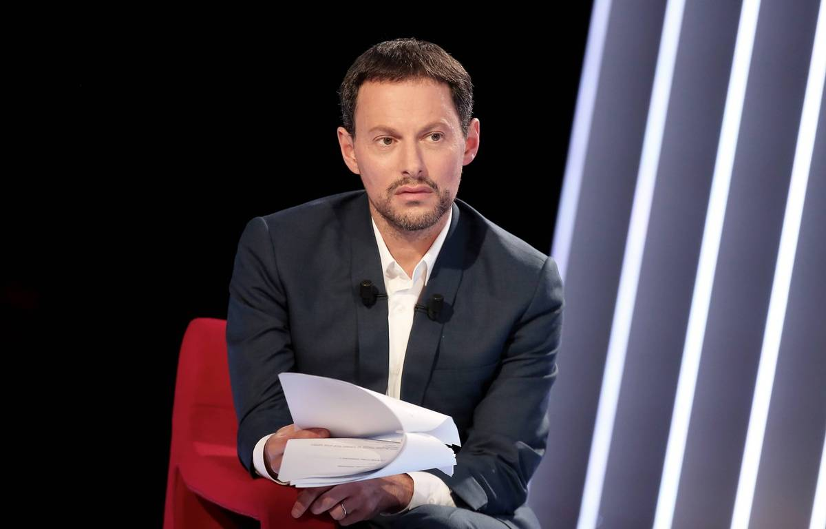 Marc-Olivier Fogiel lors d'un enregistrement de son émission «Le Divan». – Dominique Jacovides / Bestimage