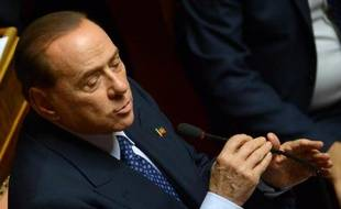 """L'ex-chef du gouvernement italien Silvio Berlusconi, condamné de manière définitive à un an de prison, affirme que ses enfants """"se sentent comme les juifs sous Hitler"""", dans un livre à paraître bientôt."""