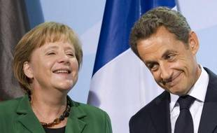 Une rencontre entre Mme Merkel, M. Sarkozy et les dirigeants de l'Union européenne et du Fonds monétaire international est prévue mercredi à Cannes. Elle sera suivie d'une autre rencontre avec la Grèce, a ajouté l'Elysée.