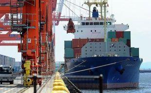 Habitué à dégager des excédents commerciaux massifs et réguliers, le Japon est désormais victime de récurrents déficits, à cause d'une facture énergétique colossale depuis l'accident de Fukushima, et du ralentissement d'activité à l'étranger. En avril, l'archipel a encore déploré une balance commerciale dans le rouge.