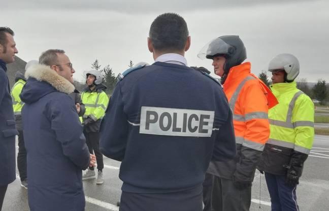 Le 31 janvier 2019. le préfet délégué pour la défense et la sécurité dans le Rhône, David Clavière s'est rendu chez Percigones à Ternay, où des ados sont formés à la conduite des deux-roues motorisées
