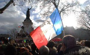 PLus d'un million de personnes se sont réunies dimanche à Paris pour manifester contre le terrorisme... et aussi parfois rendre hommage aux forces de police