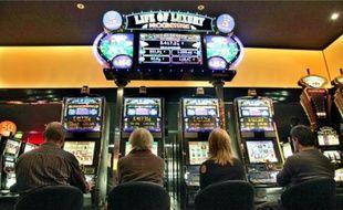Au casino Barrière de Bordeaux-lac, certains joueurs avouent ne pas réussir à s'arrêter.
