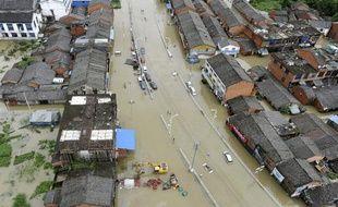 La ville de Cangnan en chine a été totalement innondée après les pluies torrentielles dues au typhon Morakot, le 10 août 2009.