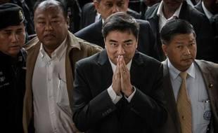 L'opposition thaïlandaise a annoncé samedi son boycott des législatives anticipées proposées par la Première ministre comme une sortie de crise, poussant la Thaïlande vers l'impasse politique, à la veille d'une grande manifestation à Bangkok.