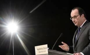 Le président français François Hollande lors de l'inauguration de la Cité du Vin à Bordeaux, le 31 mai 2016