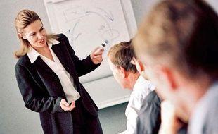 L'écart de salaire brut entre les hommes et les femmes est de 27% en 2010.