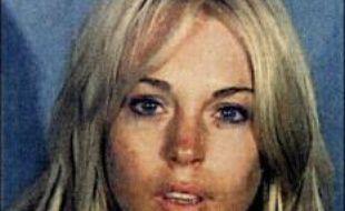 L'actrice américaine Lindsay Lohan est de retour en cure de désintoxication, a rapporté lundi une télévision américaine, deux semaines après une nouvelle arrestation de la starlette pour conduite en état d'ivresse.