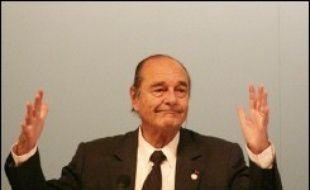 """Jacques Chirac à Cannes, à une journaliste qui lui demandait s'il s'agissait de son dernier sommet africain: """"Oui, c'est mon dernier sommet..."""". Et d'ajouter après un silence: """"... cette année""""."""