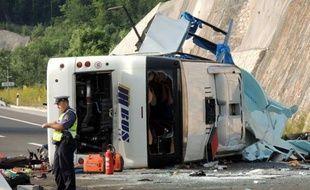 Un avion affrété par le ministère tchèque des Affaires étrangères a quitté Prague dimanche en fin de matinée pour rapatrier la plupart des personnes blessées dans l'accident d'un autocar tchèque survenu samedi à l'aube sur une autoroute en Croatie.