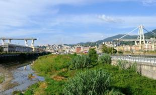 Le Premier ministre Giuseppe Conte s'est rendu à Gênes sur les lieux de la catastrophe mardi 14 août 2018, à Gênes.