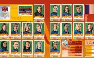 La double page de l'album Panini consacré au Mondial de football féminin 2011.