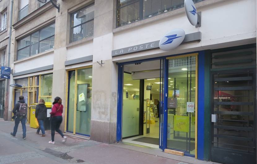 Nantes Deux Bureaux De Poste Du Centre Ville Vont Fermer