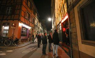 La majorité des bars et clubs de Strasbourg disposent de portiers au doux (sur)nom de chuteurs, chargés de conserver le calme dans les rues de leurs établissements. Archives.