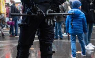 Un membre des forces de l'ordre à la manifestation du 12 décembre 2020, à Paris. (illustration)