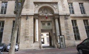 L'hôtel de police de Versailles, le 26 mai 2011