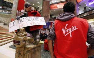 Le tribunal de commerce de Paris a prononcé lundi la liquidation judiciaire de Virgin, laissant sur le carreau 960 salariés en France, qui restent mobilisés dans les magasins occupés et dont le sort est désormais entre les mains du liquidateur judiciaire.