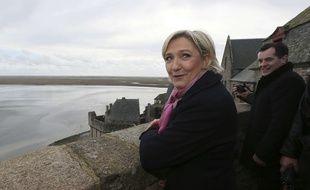 Marine Le Pen, présidente du FN et candidate du parti à la présidentielle, le 27 février 2017 à au Mont Saint Michel